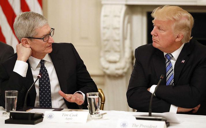 Trump'ın gafı sonrası Apple CEO'su Tim Cook'tan olay hareket