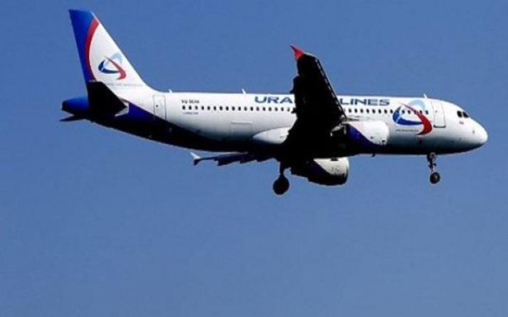 Rus uçağında bomba paniği acil iniş yaptı