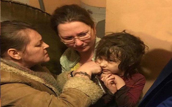 Cani anne, hasta çocuğunu ölsün diye eve hapsetmiş