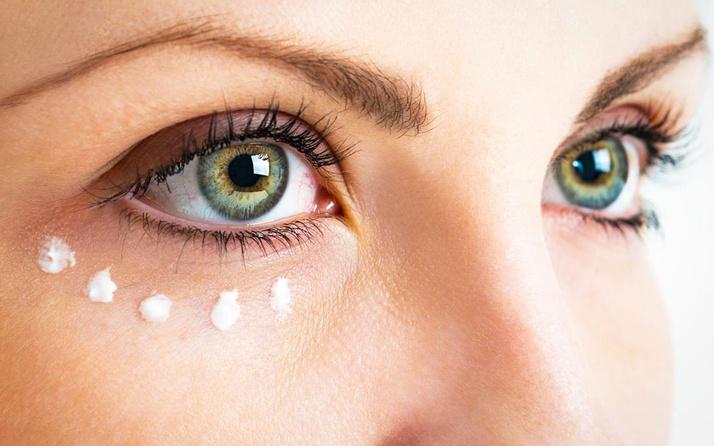 Göz altı morluklarından bu yöntemle kurtulabilirsiniz