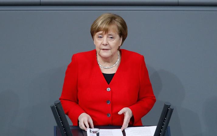 Almanya Başbakanı Angela Merkel'den Brexit yorumu: Uzatma kısa süreli olur