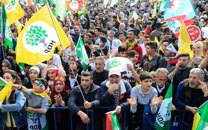 HDP'nin İzmir mitinginde PKK sloganları