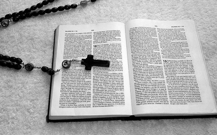 İngiltere'ye sığınan İranlı'ya İncil'i göstererek reddettiler