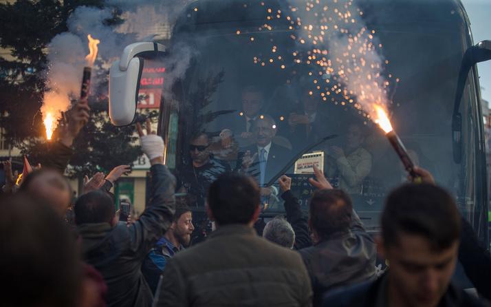 Kılıçdaroğlu'ndan balkon konuşması: Tüm MYK üyelerini İstanbul'a gönderdik