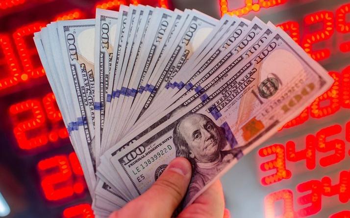 Seçim sonrası dolar önce yükseldi sonra inişe geçti