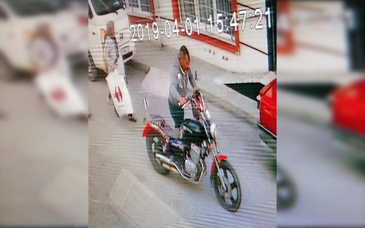 Tekirdağ'da elini kolunu sallayarak motosikleti çaldı