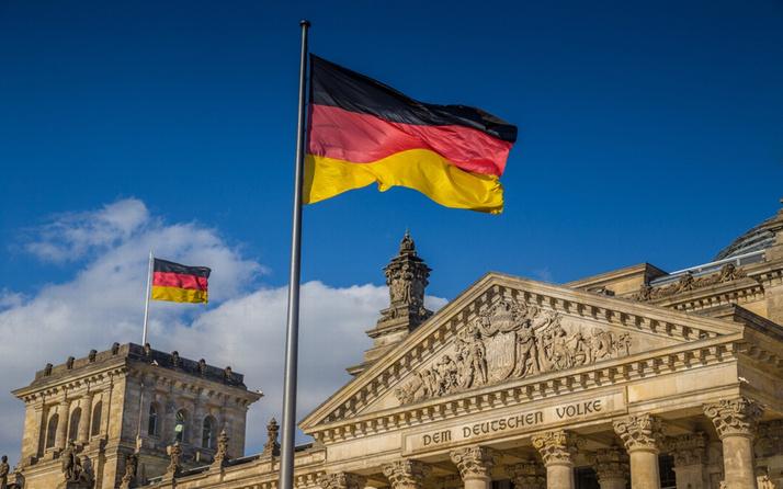 Alman federal hükümet geçen yılı rekor bütçe fazlası ile tamamladı