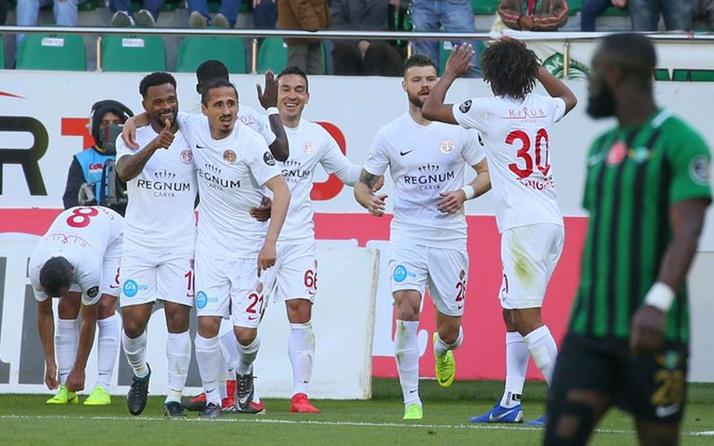 Antalyaspor deplasmandan 3 puanla dönüyor