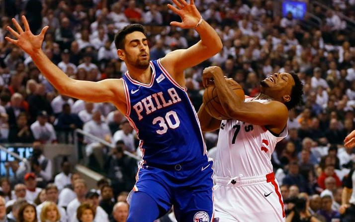 Furkan Kormaz'ın takımı Philadelphia 76ers seride 1-0 öne geçti