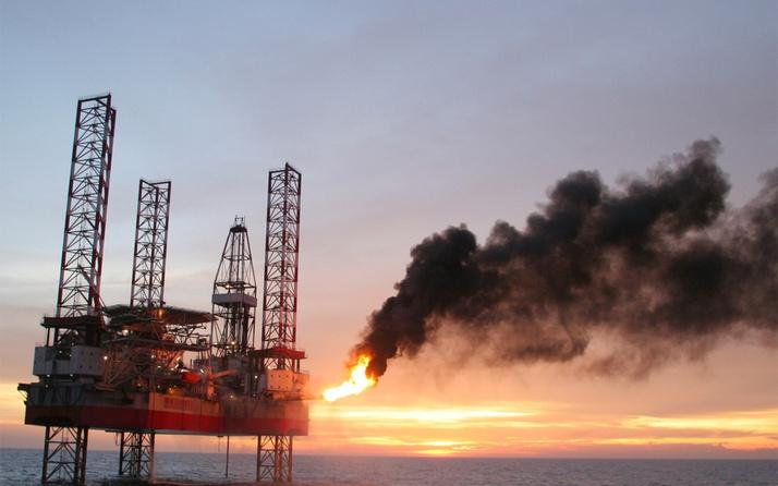 ABD-İran gerilimi zirve yaptı! Petrol fiyatları uçtu
