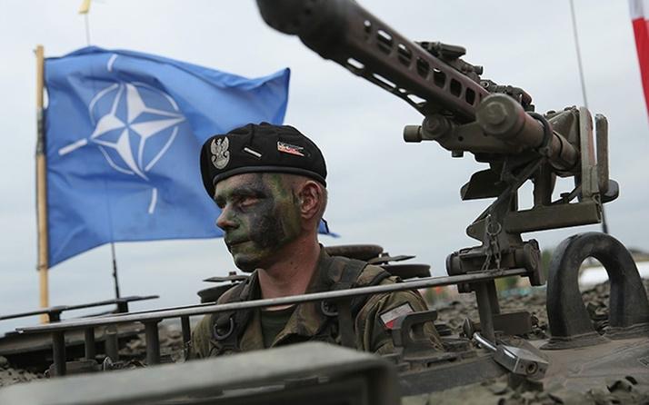 Türkiye, NATO komutanlık devir teslim törenini terk ederek protesto etti!
