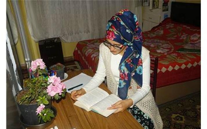 Kütahyalı üniversite öğrencisi Kevser Çoban kanseri kitap yazarak yendi