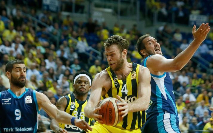 Fenerbahçe Beko, başkentte tur için sahada
