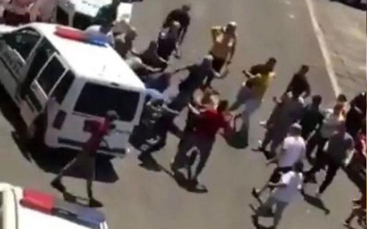 Adana'da kız çocuğuna cinsel istismara linç girişimi! Polis zor kurtardı