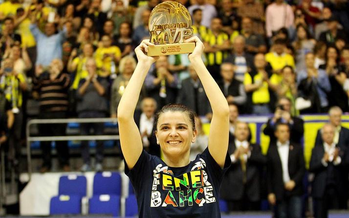 Fenerbahçe'de Birsel Vardarlı Demirmen kariyerini sonlandırdı