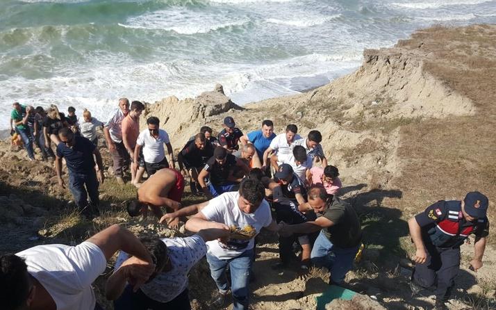 Şortlarını yıkamak için denize giren 2 kardeş boğuldu