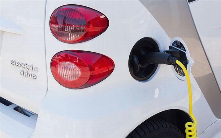 AB'den elektrikli otomobillere ses zorunluluğu