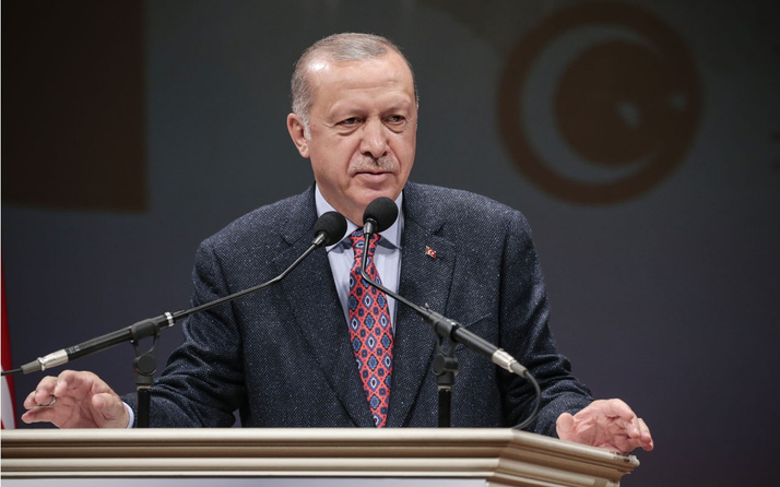 Erdoğan: Faizler düşüyor, enflasyondaki gerileme de sürecek