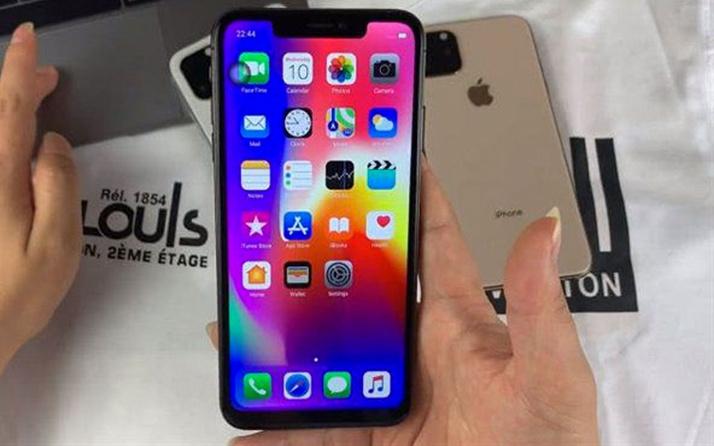 iPhone 11'in tasarımı tartışma yarattı