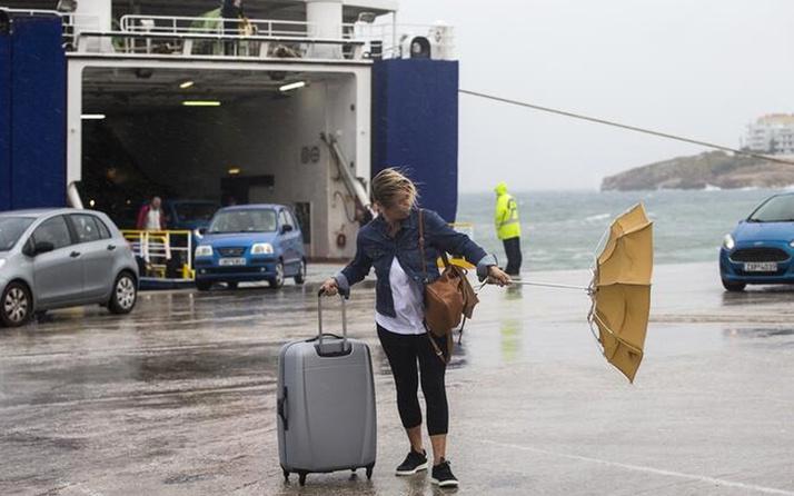 Yunanistan'da fırtına 6 can aldı olağanüstü hal ilan edildi