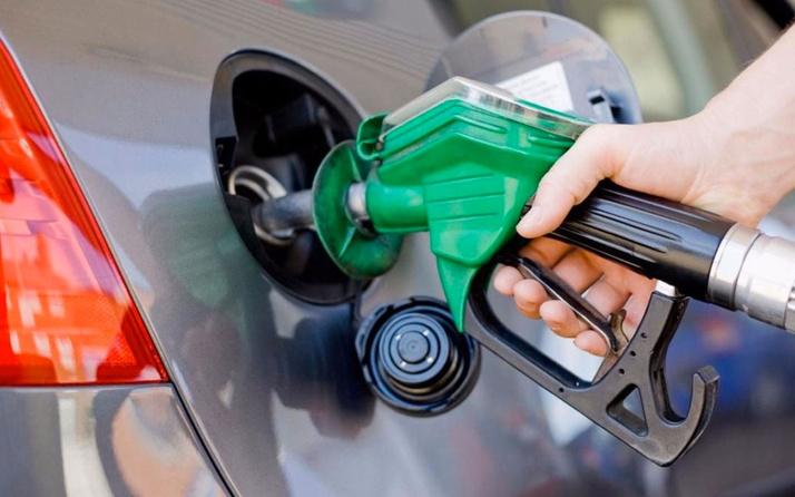 Pompaya yansıyacak mı? Benzine 15-16 kuruşluk zam gündemde!
