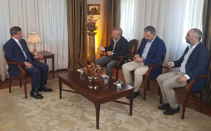 Davutoğlu ile röportaj yapan gazeteciler neden kovuldu! Sputnik'ten açıklama geldi