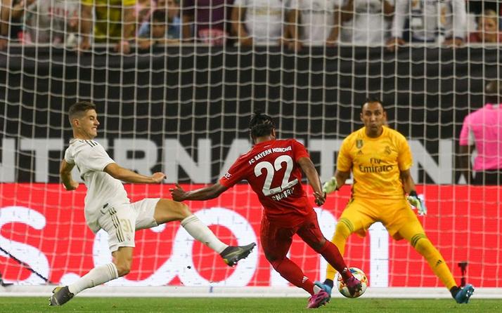 Bayern Münih Real Madrid'i rahat geçti