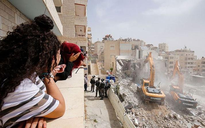 İsrail polisi Kudüs'te bir camiyi kapattı