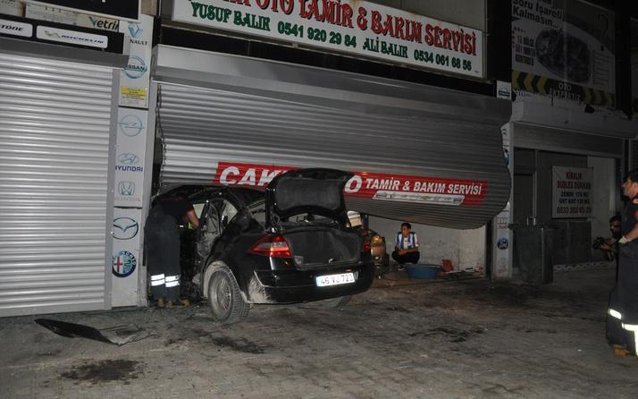 Kahramanmaraş'ta otomobil tamirhaneye daldı