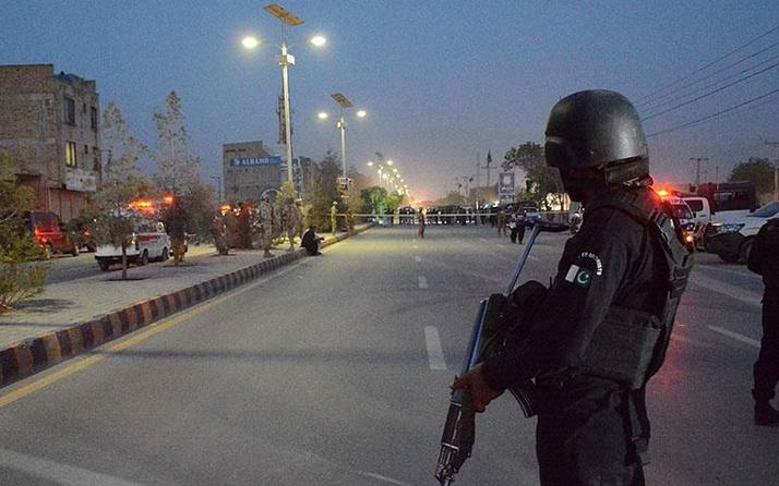 Pakistan'da orduya saldırı: 10 ölü! O örgüt üstlendi