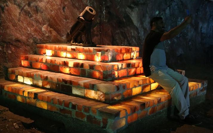 Pakistan'ın pembe tuz tünelleri yıllık 300 bini aşkın turisti ağırlıyor!
