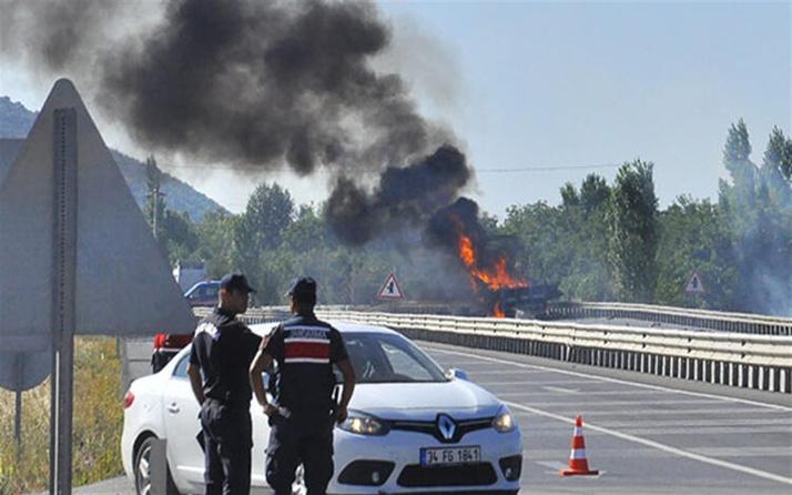 Mühimmat yüklü kamyonda yangın çıktı! Patlamalar yaşanıyor