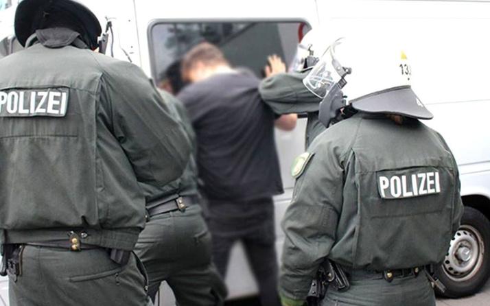Irkçı Alman, iki kadına Türkçe konuştukları için saldırdı