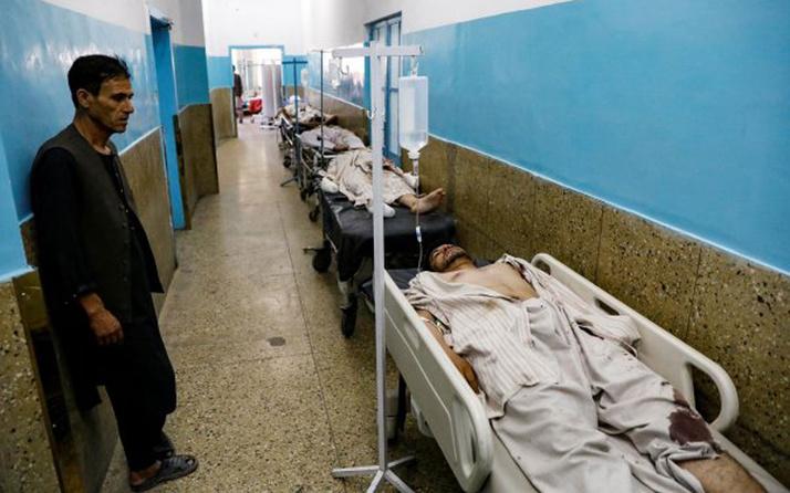 Afganistan'da düğün salonuna bombalı saldırı 63 kişi hayatını kaybetti