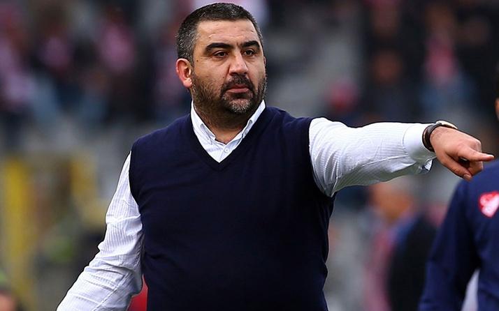Adana Demirspor Ümit Özat ile yollarını ayırdığını duyurdu