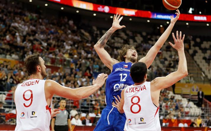 Türkiye Çekya'ya 91 - 76 yenildi turnuvaya veda etti
