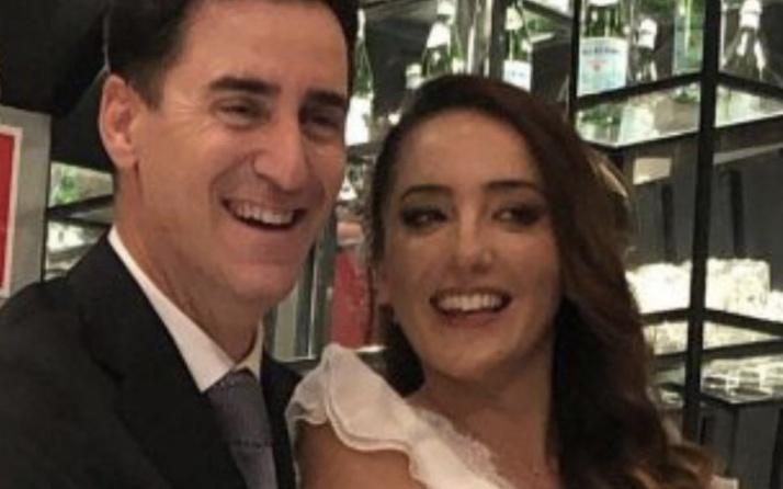 Bekir Aksoy evlendi oyuncu eşi Nazife Oğlakçıoğlu kimdir yaşı?