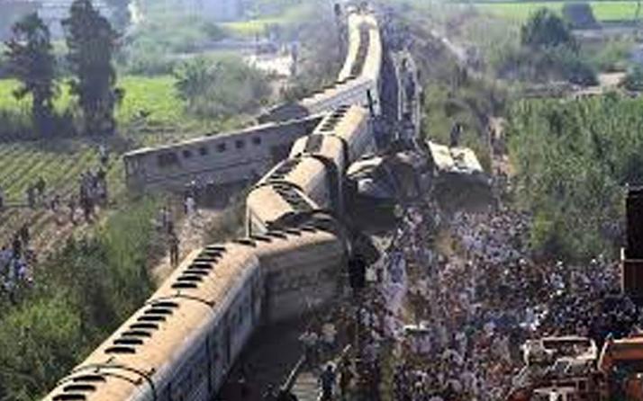 Dünyayı sarsan tren kazası! En az 50 ölü var