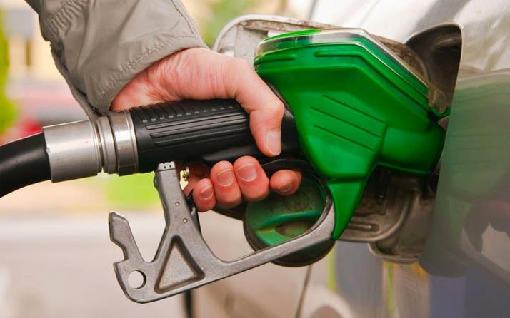 Suudi saldırısı petrolün varil fiyatını fırlattı! Motorine yine zam geldi