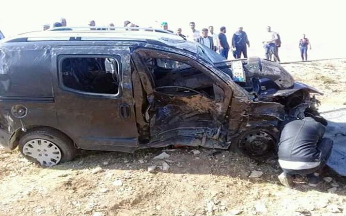 Erzurum'da düğün konvoyunda feci kaza! Ölüler var