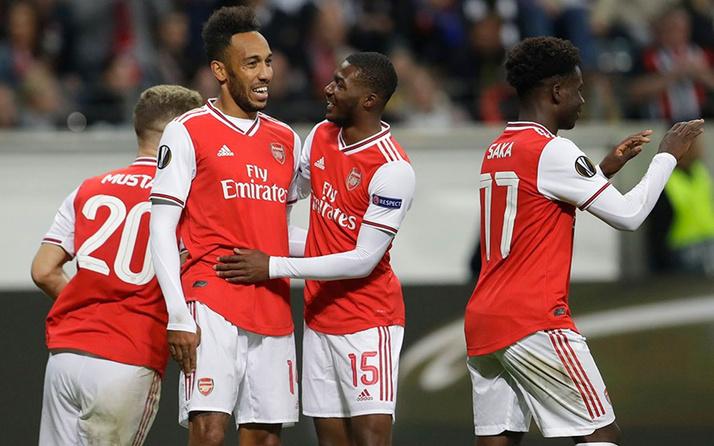 Gol düellosunda Arsenal ölüp ölüp dirildi