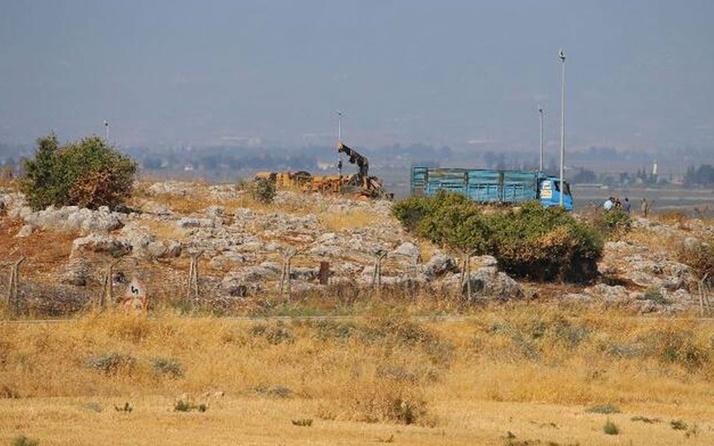 Hatay'da göçmenleri taşıyan kamyon devrildi! Çok sayıda ölü ve yaralı var