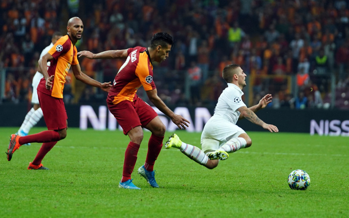 Fransız efsaneden Galatasaray'a övgü: PSG'ye kafa tuttu