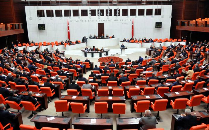 AK Parti'den 11 maddelik 'sosyal medya' teklifi