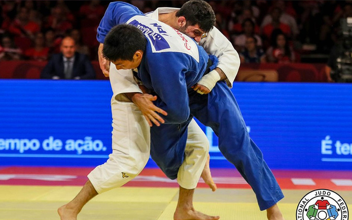 Milli judocu Vedat Albayrak'tan gümüş madalya