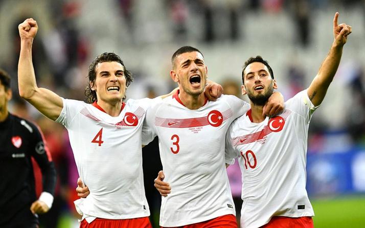 Milli futbolcular Avrupa'nın devlerine peşlerine taktı!