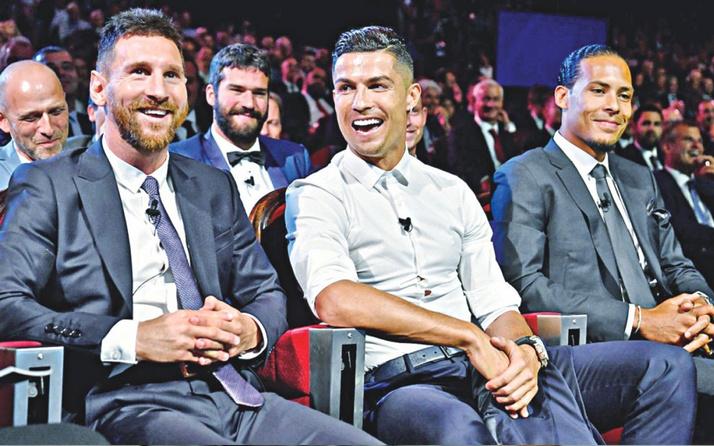 Ronaldo Messi'yi ikiye katladı! Dudak uçuklatan rakama bakın