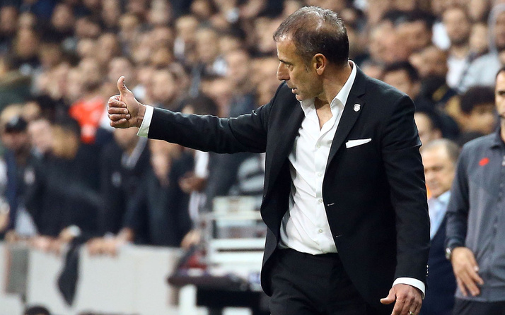 Beşiktaş, Abdullah Avcı'nın sözleşmesini feshetti