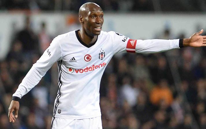 Beşiktaş yönetiminden 36 yaşındaki Atiba Hutchinson için flaş karar