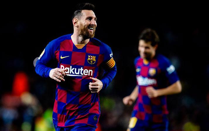 Messi hat-trick yaptı Barça lider oldu
